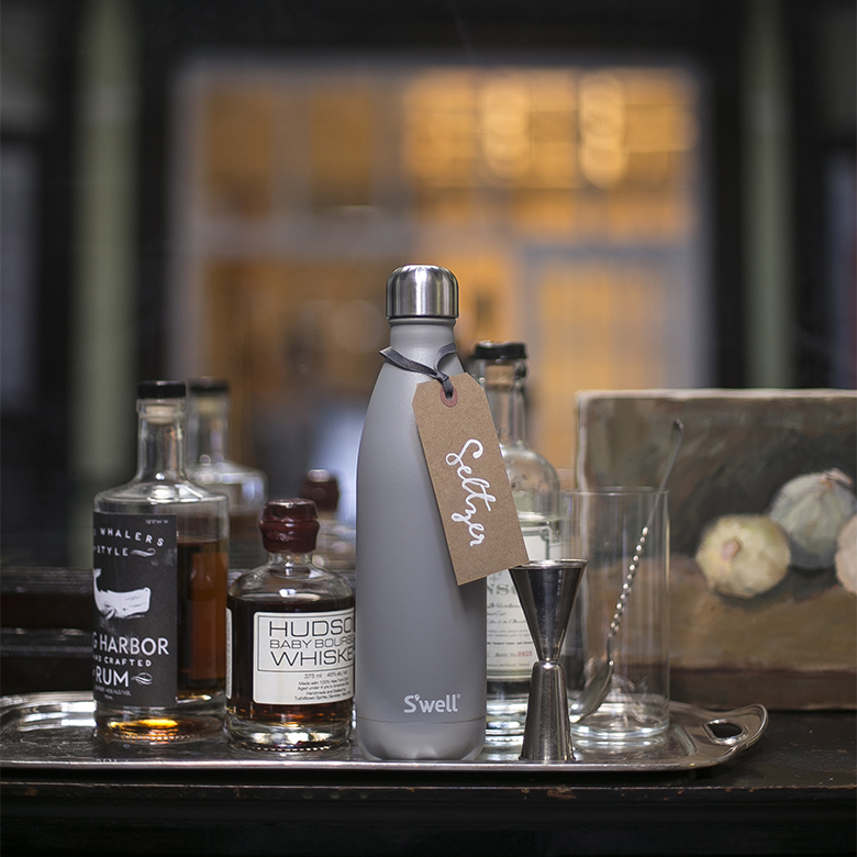 Fall cocktail recipe for spiced pear gin fizz is perfect to mix in S'well stainless steel bottle